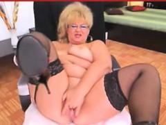 Chubby blonde granny solo masturbation